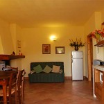 Farm Holidays La Baghera - La Baghera Alta - Brogio Apartment - Living Room
