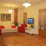 Farm Holidays La Baghera - La Baghera Alta - Donatello Apartment - Living Room